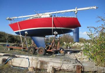 Remont jachtu Traper 300