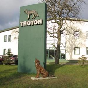troton-9